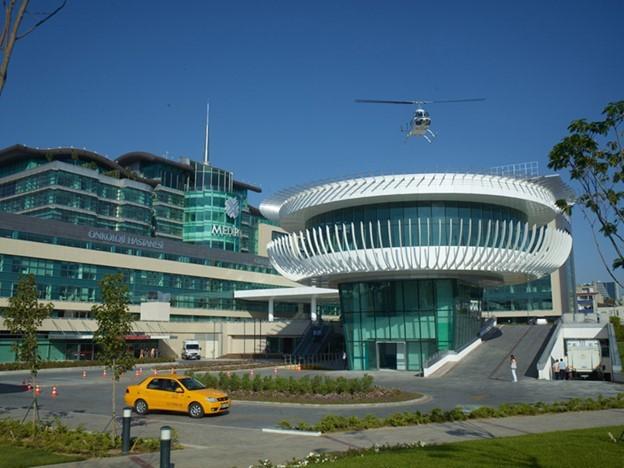 Университетская больница Медиполь (Medipol Hospital)