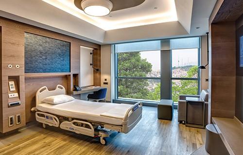 Acibadem Altunizade patient room