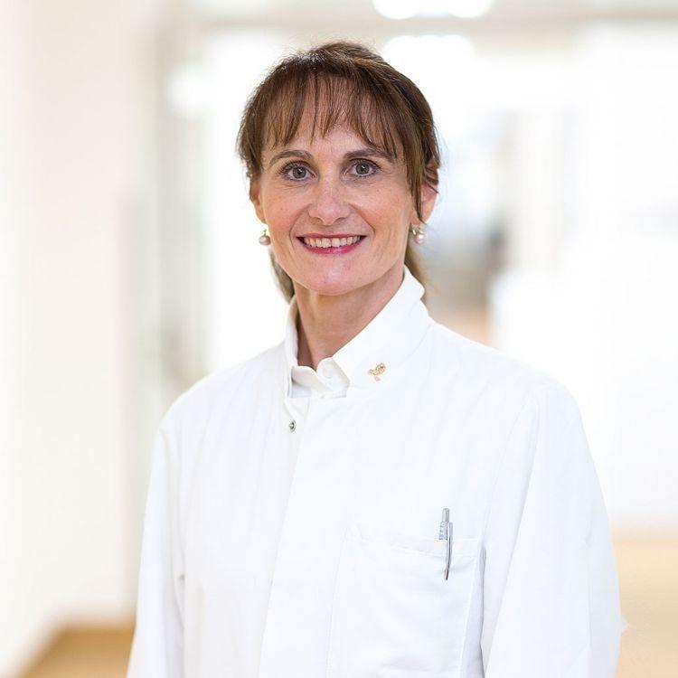 Dr. med. Christine Ankel