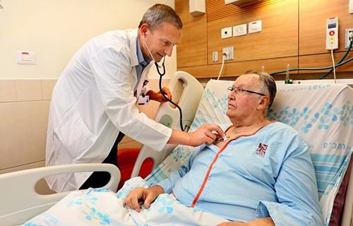 Больница Рамбам демонстрирует одни из самых низких в Израиле показателей возникновения осложнений после операции.