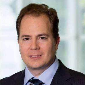 Професор Вольфганг Дж. Кёстлер из Венской частной клиники