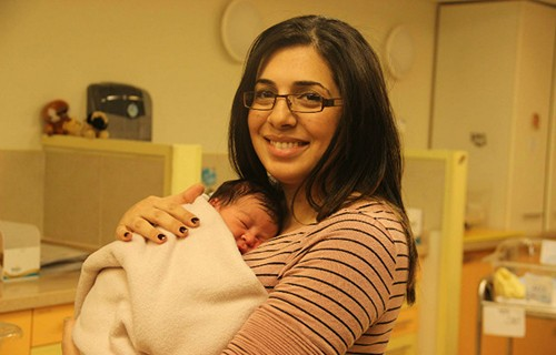 В больнице Хадасса появляются на свет более 12,000 малышей в год