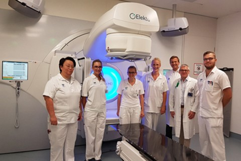 high-precision radiation therapy with visual control