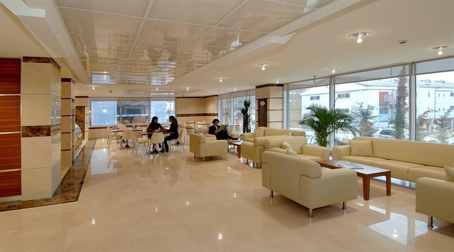 Клиника Хисар (Hisar Intercontinental Hospital)