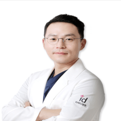Plastic surgeons in Seoul image