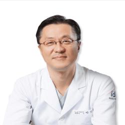 Leading plastic surgeons in Korea photo