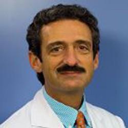 Доктор Бруно Сангро клиника Наварры