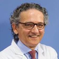 Доктор Оскар Белоки Льюис клиника Наварры