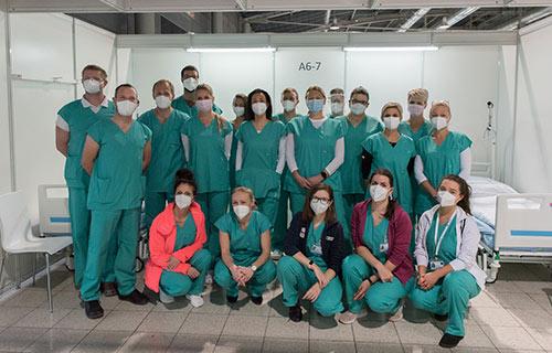 Врачи перед операцией в университетской клинике в Брно